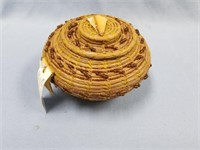 Lidded basket Quail Run, from Ponderosa pine