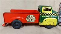 Wyandotte Igloo Ice Co Truck