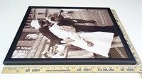 """1945 Famous """"War's End Kiss"""" Poster Print in Frame"""