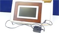 "GiiNii LED Digital Picture Frame: 7"""