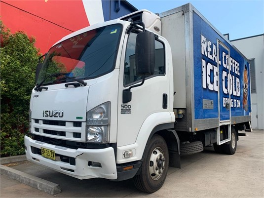 2012 Isuzu FRR 500 - Trucks for Sale