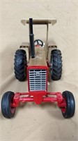 1;16 IH 826 Gold Demonstrator Tractor