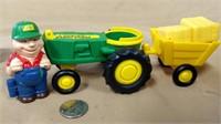 Ertl Plastic Barn & Accessories