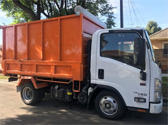 2017 Isuzu NLR 45 150 AMT - Trucks for Sale