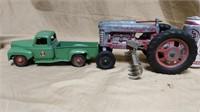 """Plastic IH Truck & Metal Hubley"""