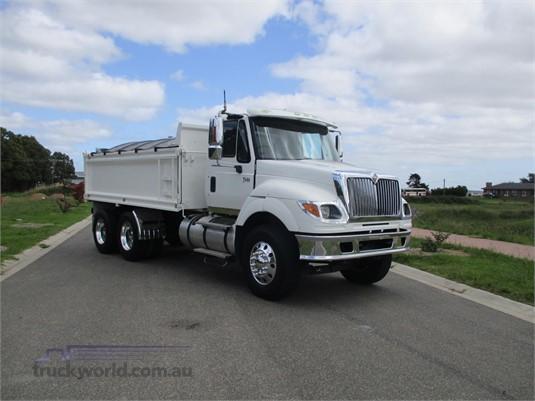 2007 International 7600 - Trucks for Sale