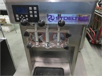 Stoelting F231 3-Selction Air-Cooled Fro-Yo Machin