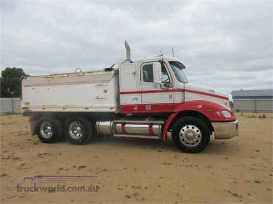 2005 Freightliner other - Trucks for Sale