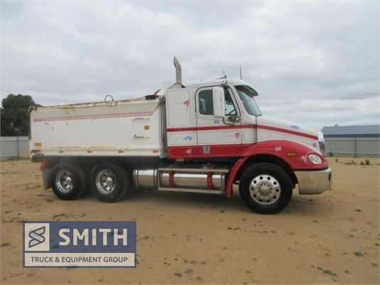 2005 Freightliner other Smith Truck & Equipment Group - Trucks for Sale