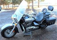 2009 Suzuki Boulevard C-50 Motorcycle (view 3)