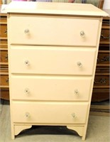 Small Vintage 4- Drawer Chest of Drawers