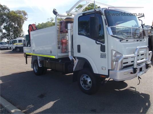 2012 Isuzu NPS300 - Trucks for Sale