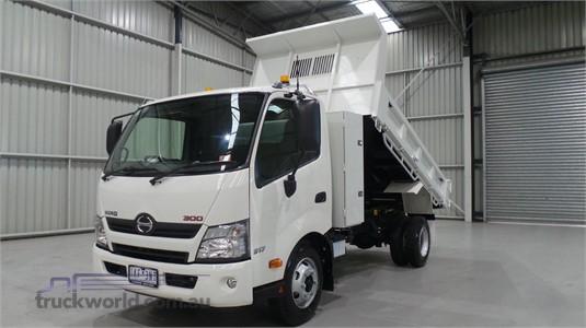2020 Hino 300 Series 917 Medium - Trucks for Sale