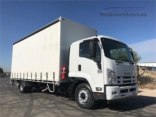 2015 Isuzu other - Trucks for Sale