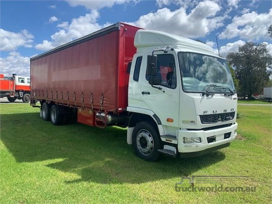 2012 Mitsubishi Fighter 2427 - Trucks for Sale