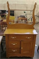 625-Antiques & Collectibles in Berlin Online Only 3/17