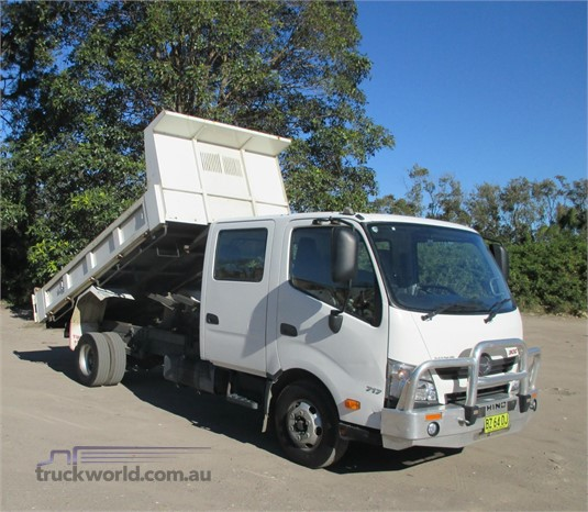 2014 Hino 300 Series 717 - Trucks for Sale