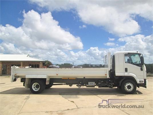 2017 Isuzu other - Trucks for Sale