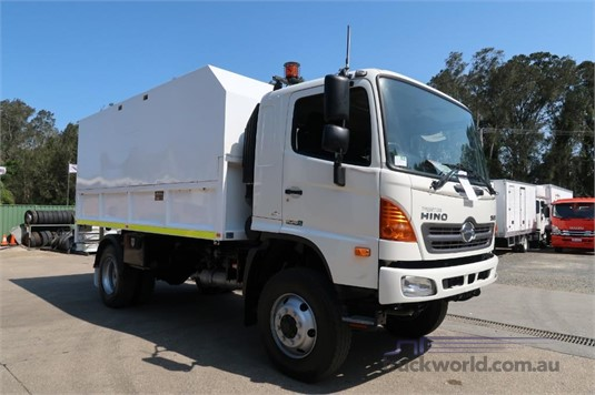 2008 Hino FT 4x4 - Trucks for Sale
