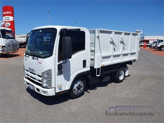 2012 Isuzu NLR 200 - Trucks for Sale