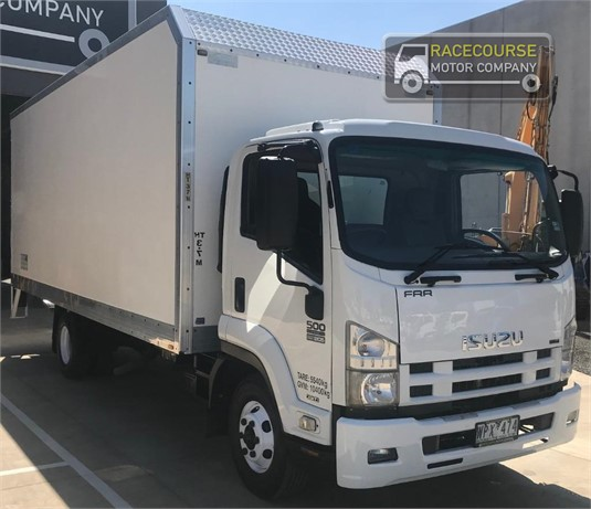 2008 Isuzu FRR500 Racecourse Motor Company - Trucks for Sale
