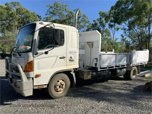 2005 Hino FD  - Trucks for Sale