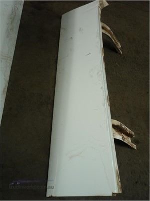 0 Western Star Right Wing - Parts & Accessories for Sale