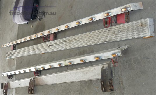 0 Freightliner Century Class Step Rails -3010Mm - Parts & Accessories for Sale