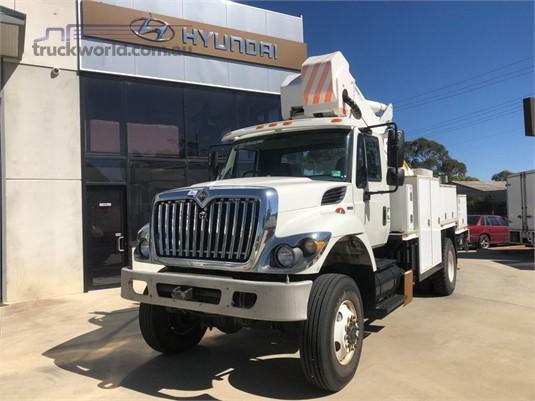 2010 International 7400 Workstar - Trucks for Sale