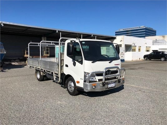 2015 Hino 300 Series 617 - Trucks for Sale