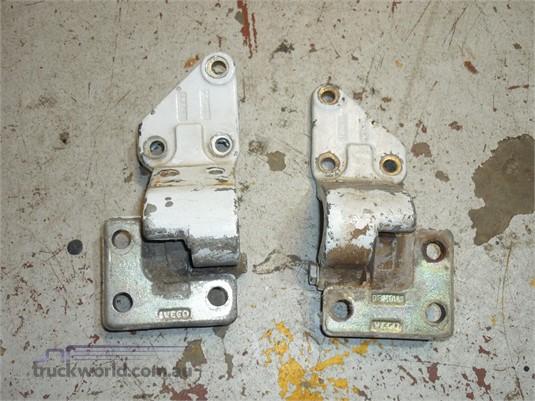 0 Iveco Door Hinges - Parts & Accessories for Sale