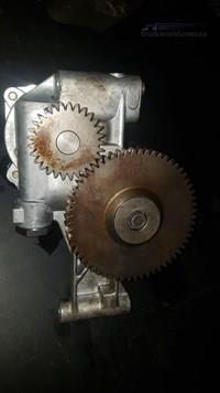 0 C9 2105522 Oil Pump - Parts & Accessories for Sale