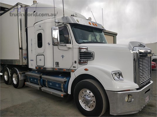 2012 Freightliner CORONADO 122 - Trucks for Sale