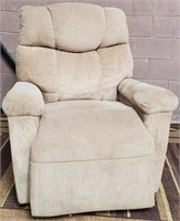 C - BEAUTIFUL COMFY CHAIR - SEE PICS FOR COND.