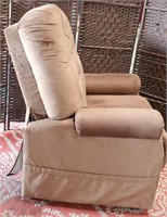 C - COMFY SITTING CHAIR - SEE PICS FOR COND.
