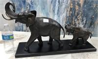 792 - BEAUTIFUL BRONZE MAMA & BABY ELEPHANTS