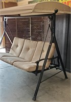 C - BEAUTIFUL COVERED 3 PERSON PATIO SWING