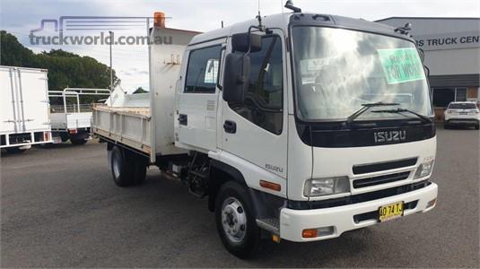2007 Isuzu FRR 500 Crew - Trucks for Sale