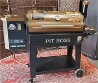 PIT BOSS PRO SERIES 8 IN 1 BBQ - SEE PICS 4 COND.