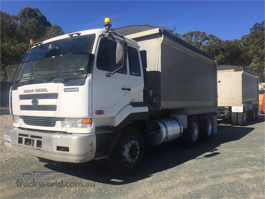 2007 UD CWB481 - Trucks for Sale
