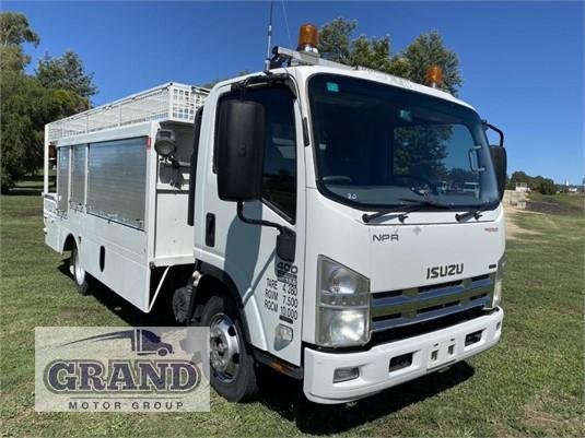 2010 Isuzu NPR 400 Premium Grand Motor Group - Trucks for Sale