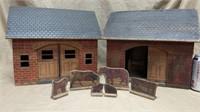Red Robin Wood Barns & Animals