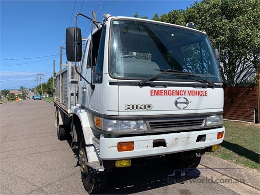 2001 Hino FT 4x4 - Trucks for Sale