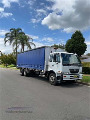 2005 UD PK245 - Trucks for Sale