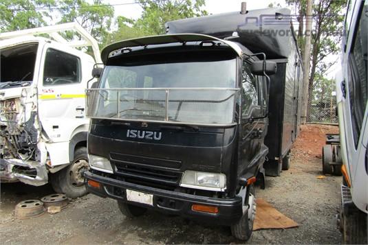2003 Isuzu FRR - Wrecking for Sale