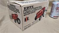 1;16 Ertl International Row Crop