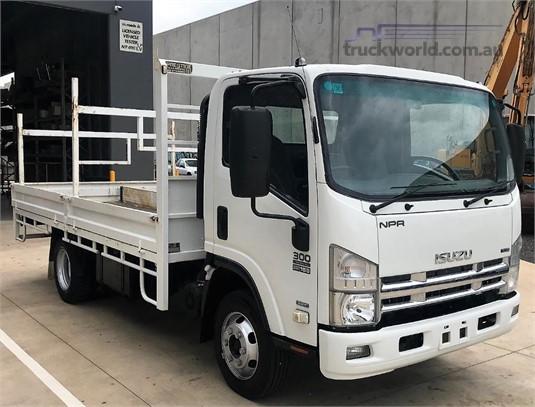 2010 Isuzu NPR300 - Trucks for Sale