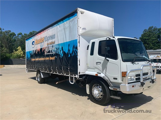 2004 Fuso Fighter 10 - Trucks for Sale