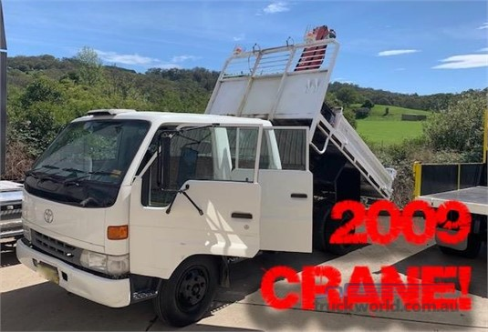 2001 Toyota Dyna 300 Dual Cab Southern Star Truck Centre Pty Ltd  - Trucks for Sale