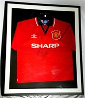 Scarce Signed Manchester United 1994-1996 Football Shirt ,Umbro, Sharp, Medium Top. Signed Roy Keane & Eric Cantona. Framed 88 x 75 cm